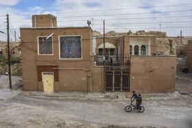 در سالهای اخیر و با همت اهالی، بسیاری از خانههای «روستای تاریخی بیابانک» برای جذب گردشگر و حفظ چهرهی تاریخی روستا، مرمت شده اند.