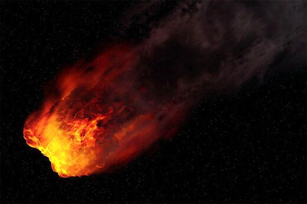 لحظه برخورد و انفجار شهاب سنگ به کره زمین