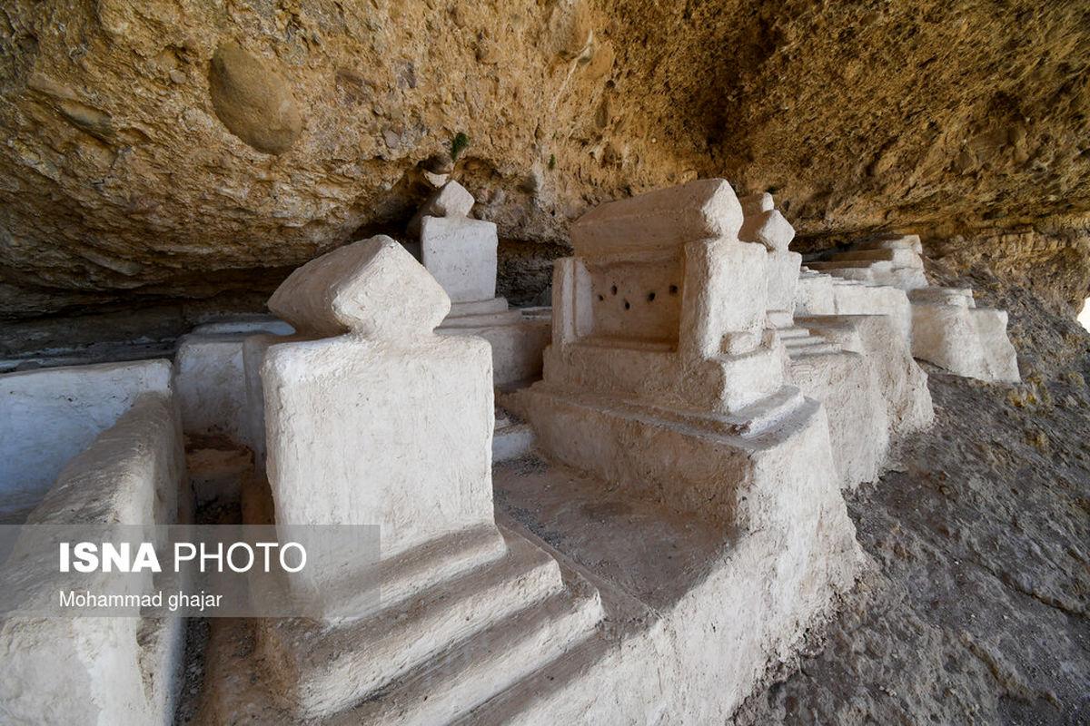 تصاویر دیده نشده از قبرستان هفتاد ملا در غار