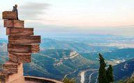 8 پله بزرگ عجیب در نوک کوه به سمت بهشت
