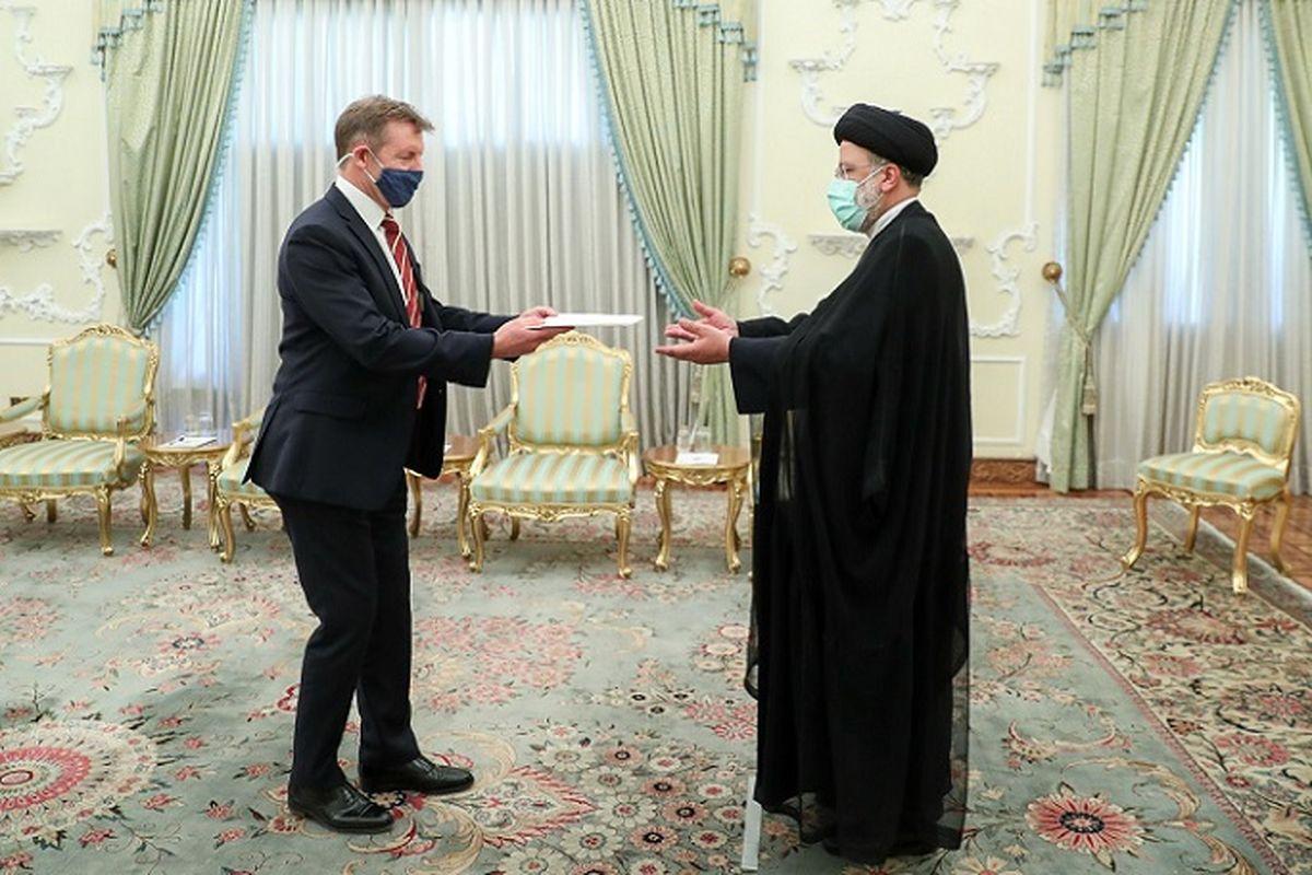 هشدار رئیسی به سفیر جدید انگلیس   جزئیات