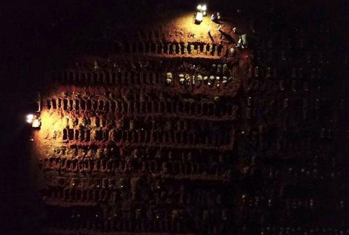 دفن شبانه فوتیهای پرشمار کرونایی در گورستانی در برزیل+عکس
