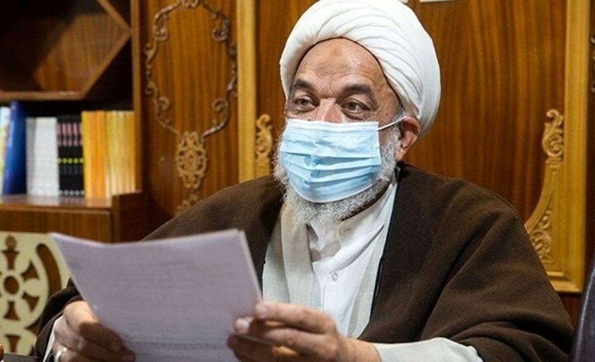 گلایه تند آقاتهرانی: میگویند محصولی دنبال احمدینژاد است / مرغ پخته هم از این شایعات خندهاش میگیرد