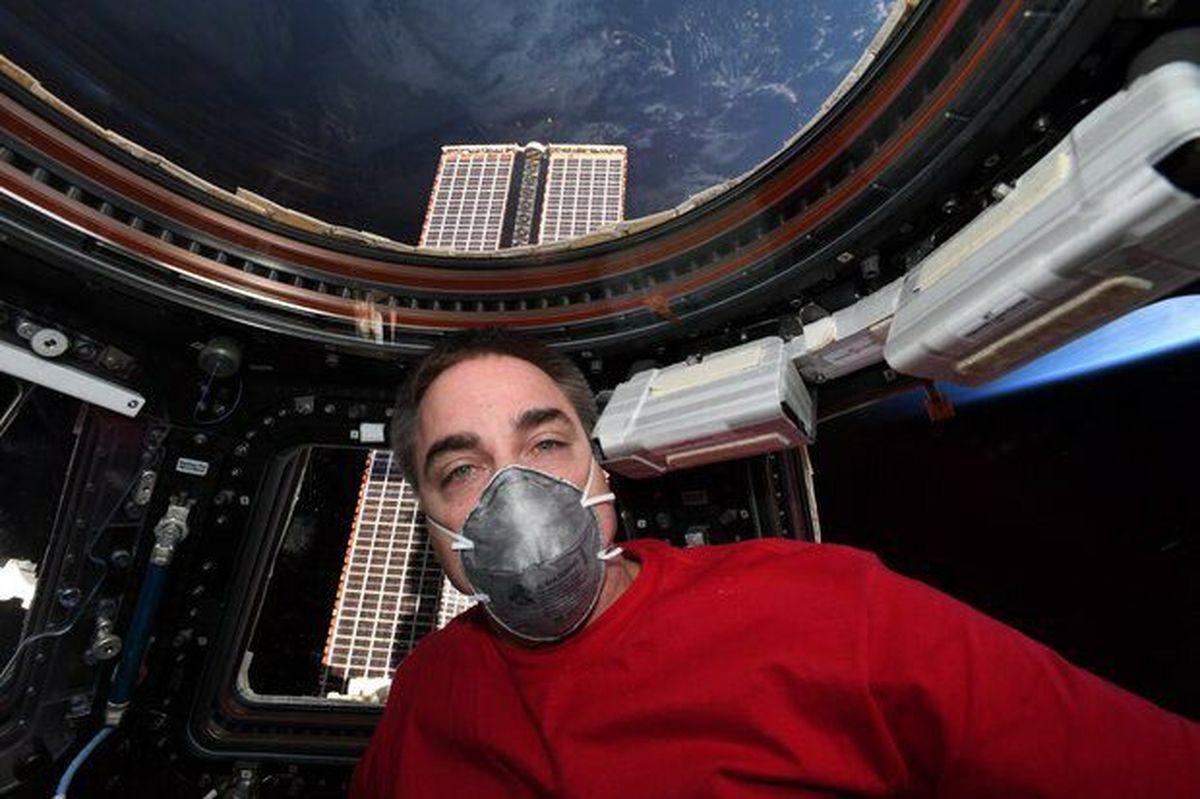 آمادگی برگشت فضانورد ناسا با ماسک به زمین +عکس