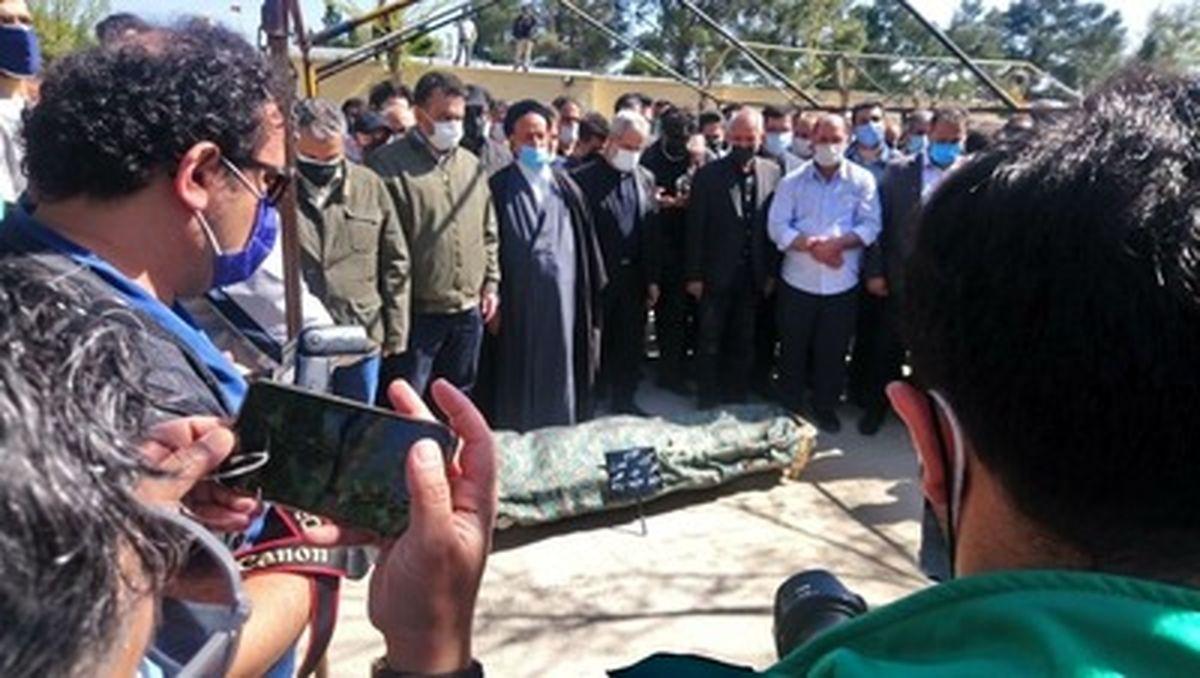 تصاویر دیده نشده از مراسم تدفین آزاده نامداری