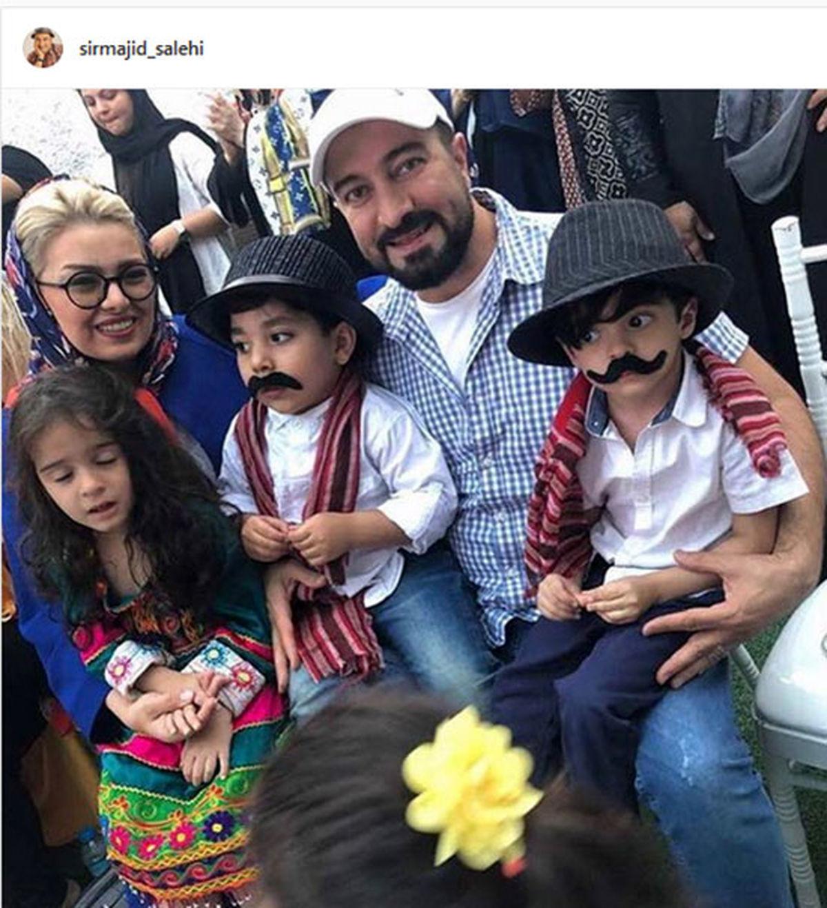 مجید صالحی در کنار همسر و دو قلوهایش /عکس