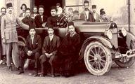 اولین اتومبیل خریداری شده در ایران در کنار صاحب اش