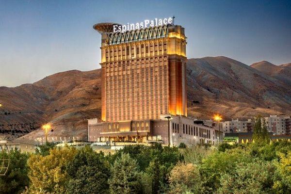 آشنایی با لوکسترین هتل تهران؛ هتل اسپیناس پالاس