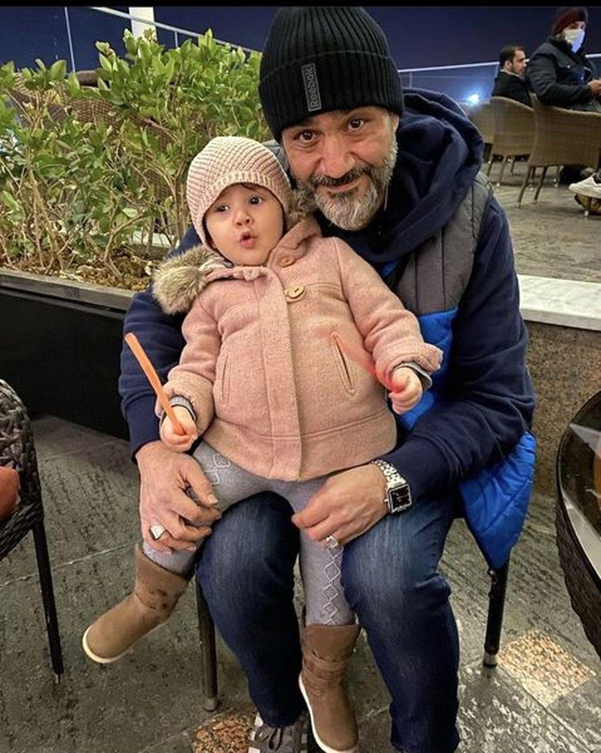 دلبری دختر کوچک مهران غفوریان برای پدرش موقع خواب + عکس