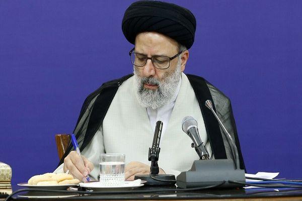 نه دولت سوم احمدینژاد نه فراجناحی!؟