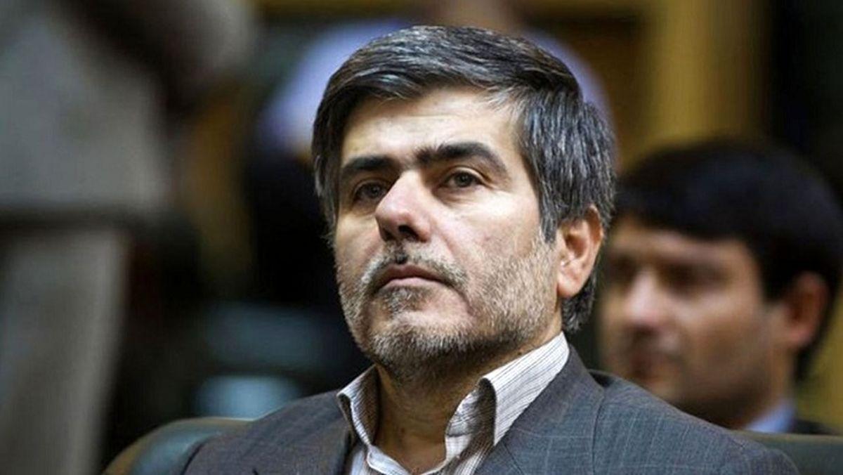 نماینده اصولگرای مجلس: هر وقت رهبری حرفی میزند، روحانی از رفراندوم صحبت میکند/ دولت روحانی آمریکا را شیطان بزرگ نمیداند