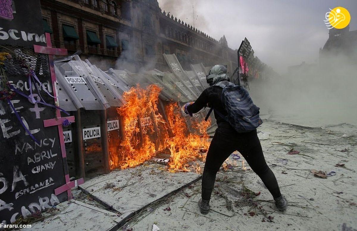 تظاهرات روز زن در مکزیک به خشونت کشیده شد+عکسها