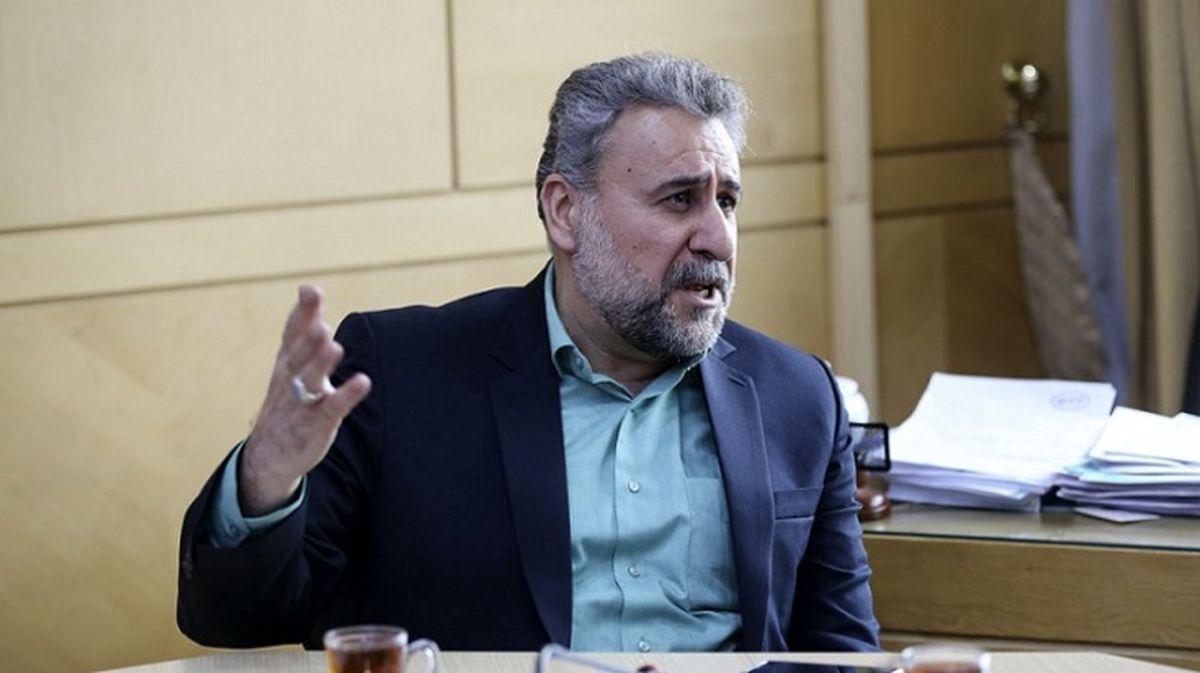 فلاحت پیشه: اگر دولت بایدن اشتباهات ترامپ را انجام دهد با نظامیان در ایران مذاکره خواهد کرد
