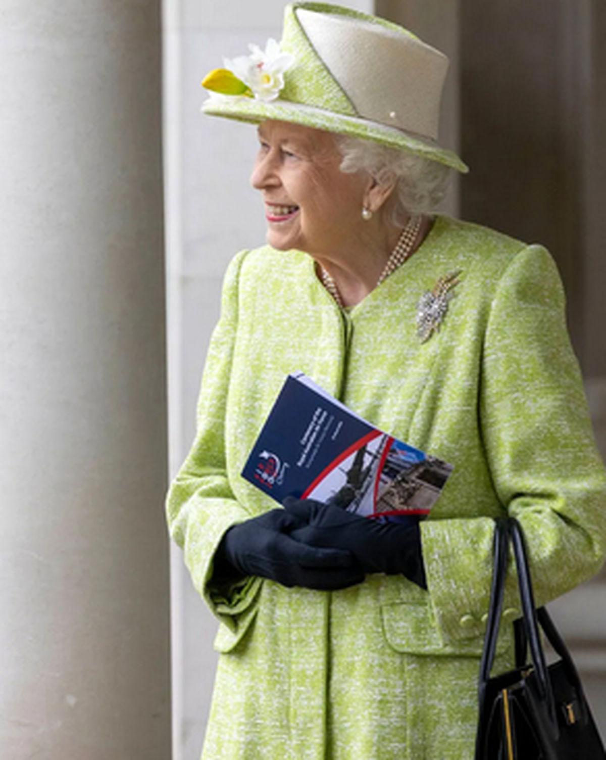 اولین حضور ملکه انگلیس در انظار عمومی پس از رسوایی اخیر+عکس