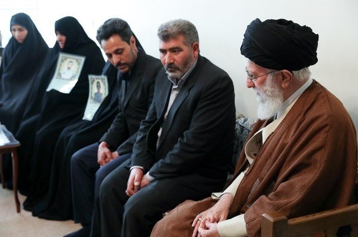 دیدار خانواده شهدای ناآرامیهای بهمن ماه با رهبر انقلاب/تصاویر