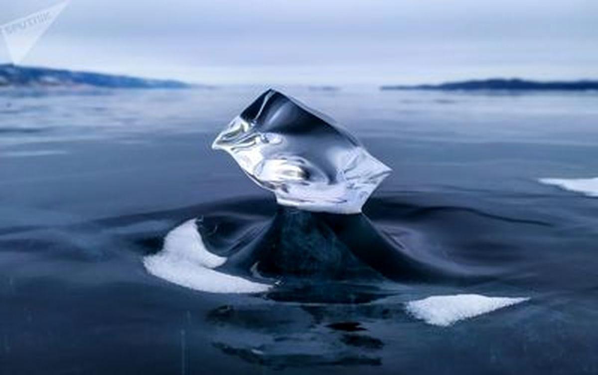 تصاویری خیره کننده از یخهای سبک دریاچه بایکال