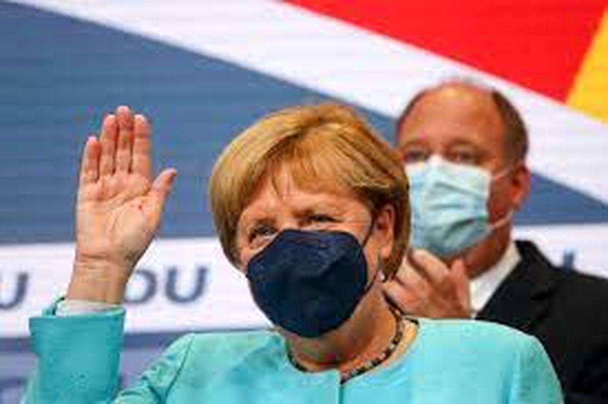 خداحافظی صدراعظم کترنگی از سیاست