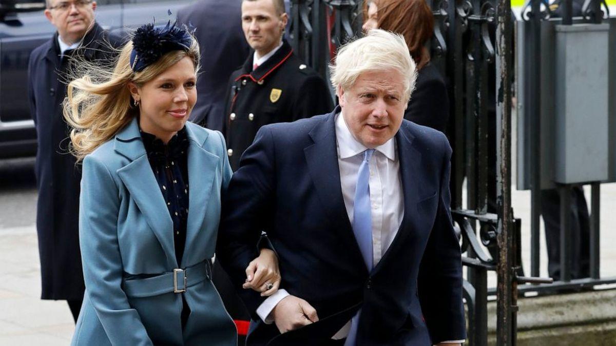 خرابی چتر و عصبانیت شدید  نخست وزیر انگلیس