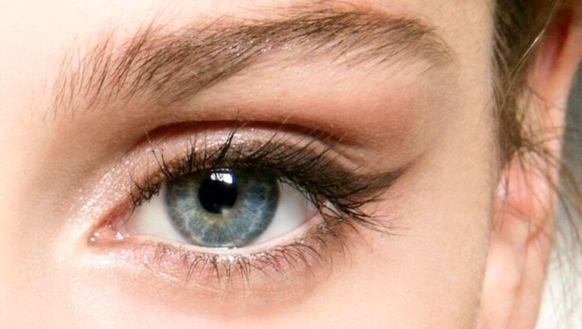 بهترین خط چشم برای چشمهای حساس