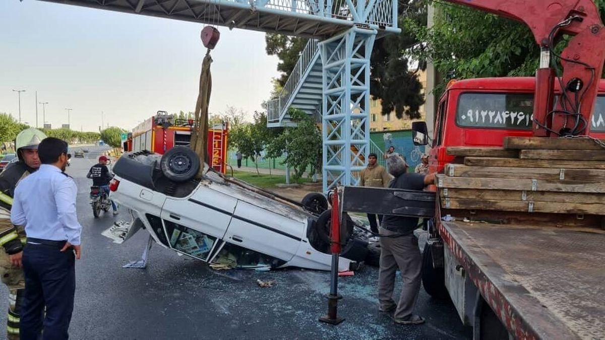 تصادف مرگبار یک تریلی بعد از قیچی با ۱۷ خودرو در تهران