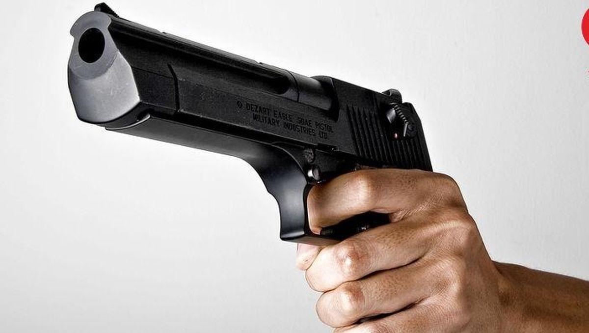 حمله وحشیانه به خانه سناتور آمریکایی با ۲۳ گلوله ! + جزئیات