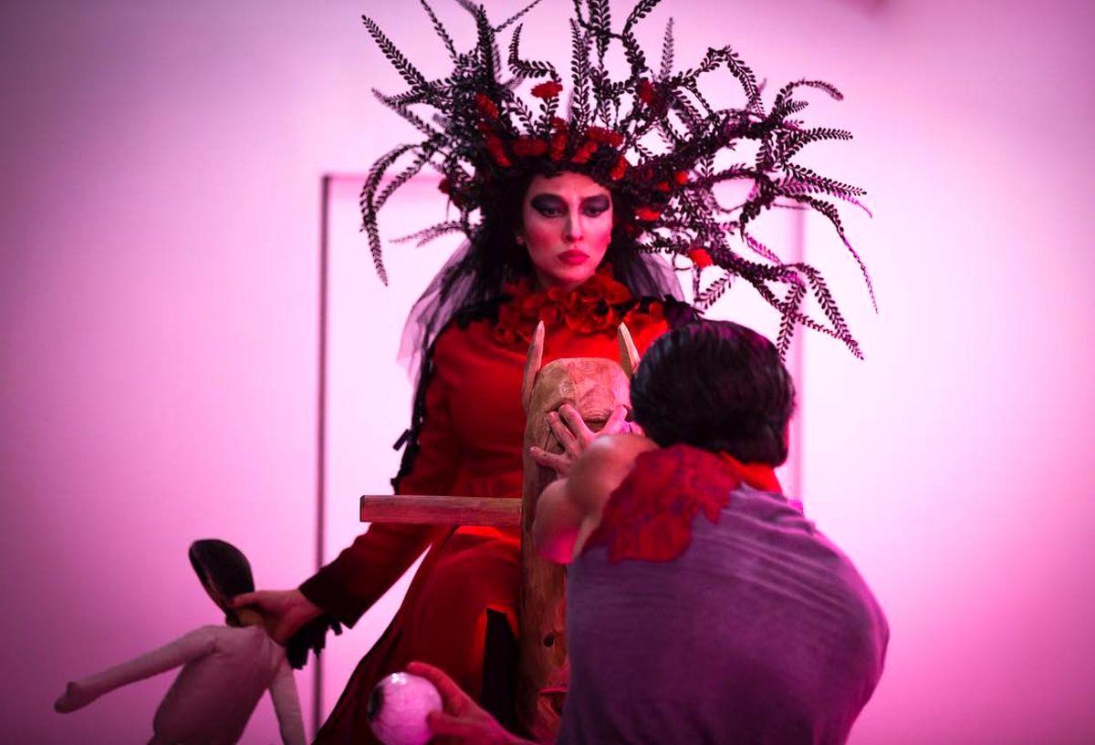 گریم عجیب آناهیتا درگاهی در یک تئاتر + عکس
