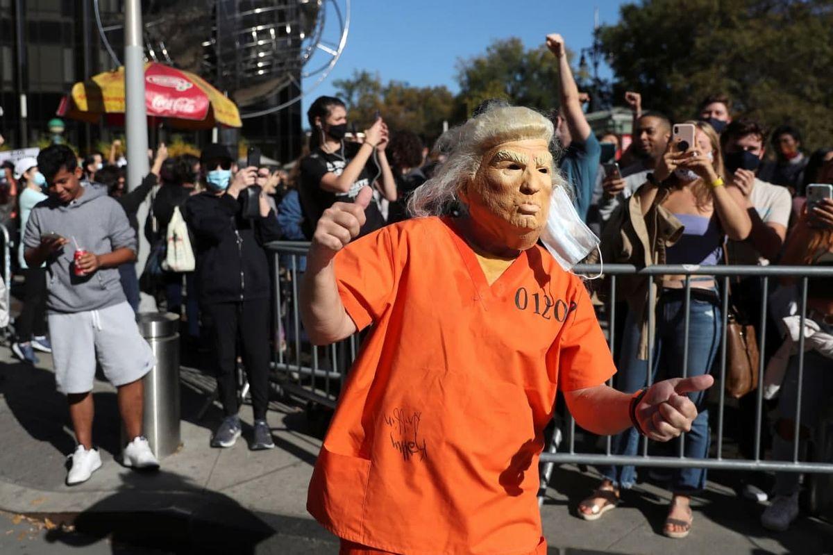 عکس جنجالی ترامپ در لباس زندان