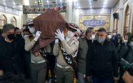 اقامه نماز بر پیکر خسرو آواز ایران/ پیکر استاد شجریان به فرودگاه منتقل شد