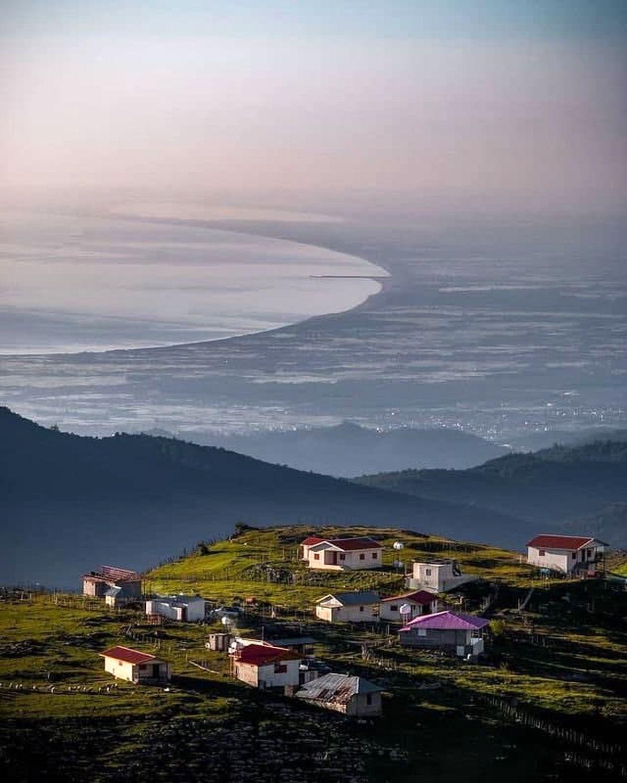عکسی خیره کننده از دریای خزر در ارتفاعات گیلان