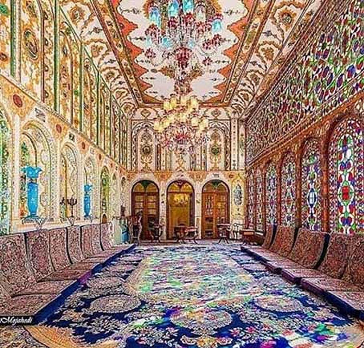 تالار کم نظیر خانه تاریخی ملا باشی(معتمدی)