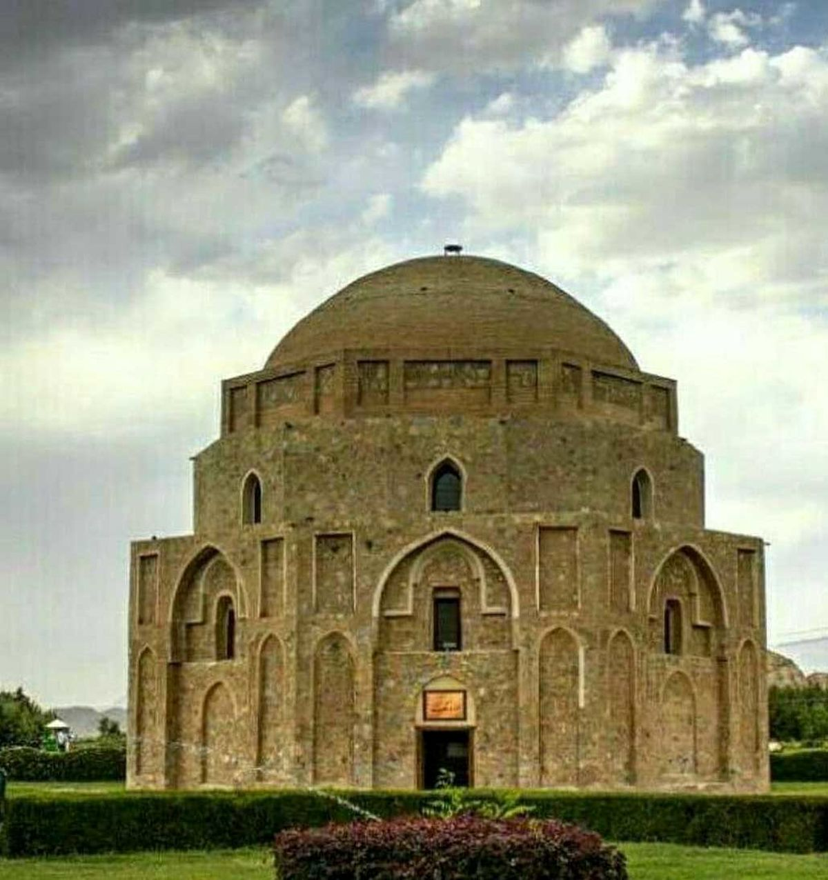 راز گنبد زیبای جبلیه کرمان