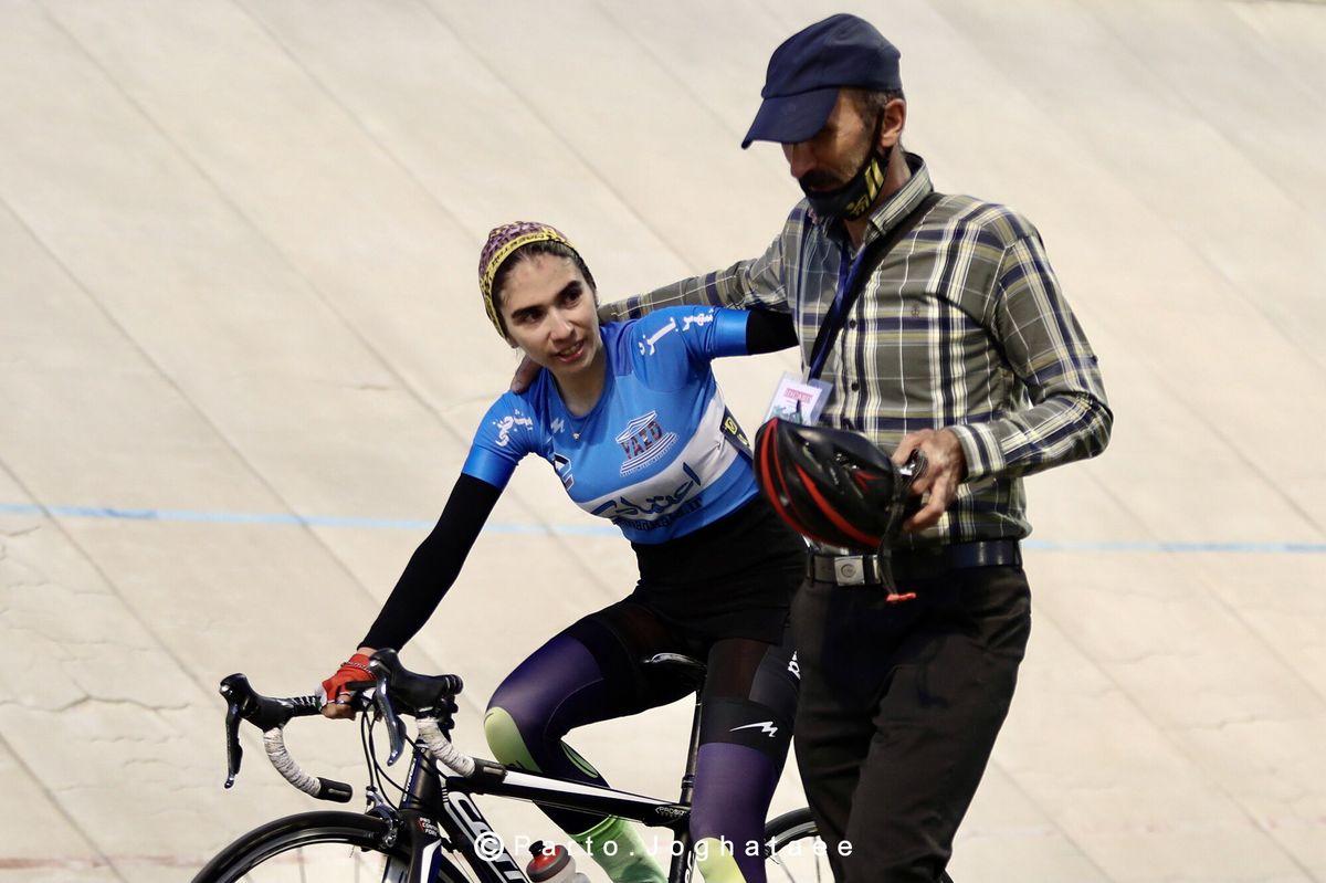 تصویر پدر و دختر تهرانی در لیگ دوچرخه سواری زنان جهانی شد+عکس