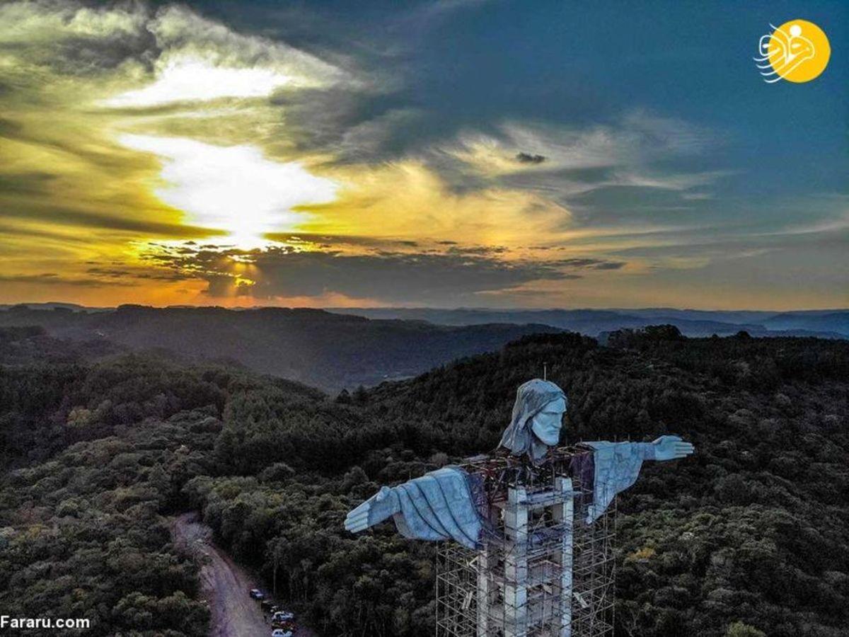 تصاویر دیدنی از ساخت مجسمه غول پیکر مسیح در برزیل