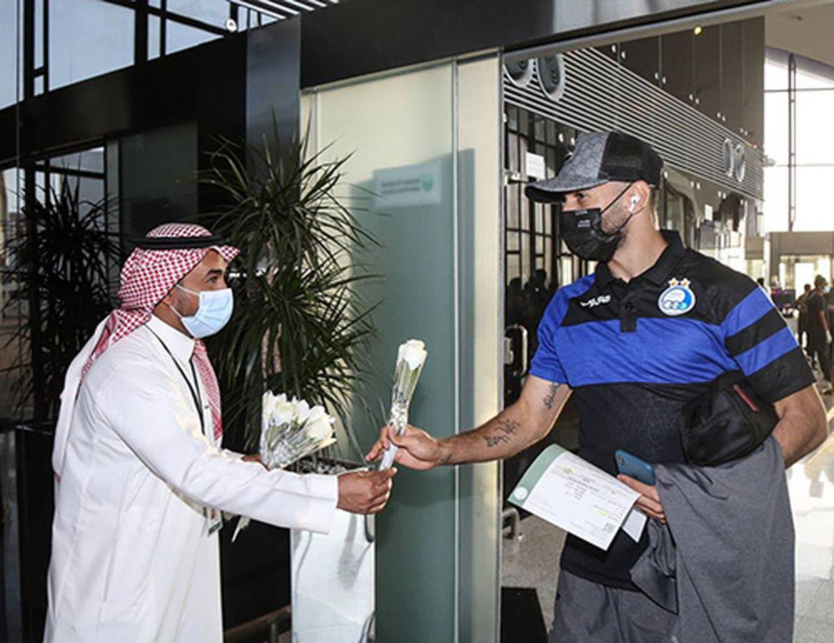 تصویری از استقبال مسئولین عربستان از کاروان استقلال